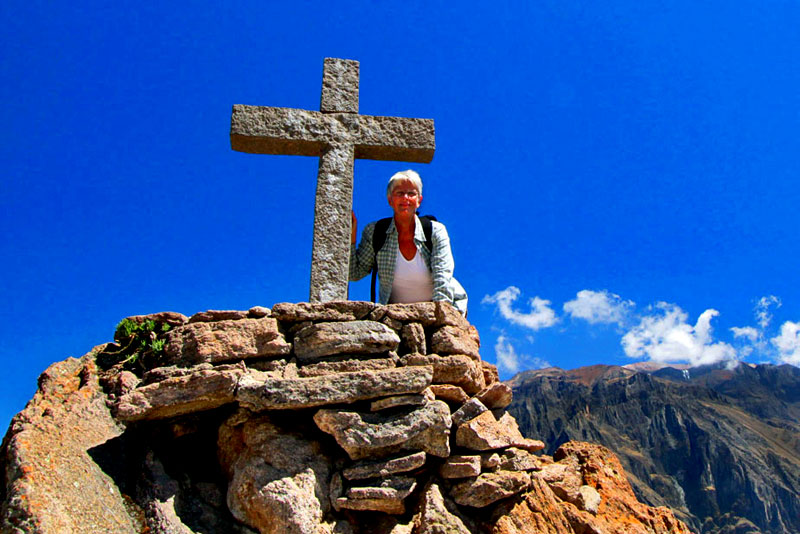 Barbara Weibel (HOLE IN THE DONUT) en el Cañón del Cóndor, Perú
